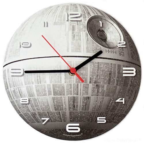 511PI6t6IwL - Reloj de pared de SuperDuperDecor, con diseño de la Estrella de la Muerte de la saga de La Guerra de las Galaxias, brilla en la oscuridad