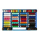 Assortiment de bobines de fil et de coudre de fil de polyester multicolore 64 par Kurtzy - tout usage de couture, patchwork de métier, courtepointe, ensemble de bobines de broderie de couture de main - avec le cas en plastique