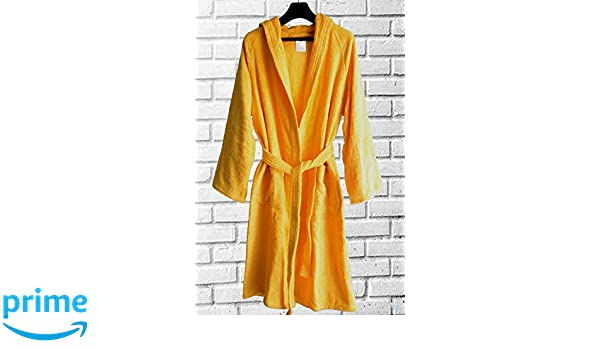 Buy Loomkart Very Fine Export Quality Bath Robes in Yellow with Hood in  Avioni Zip-Packing- Standard Size Online at Low Prices in India - Amazon.in 8af2b8c67