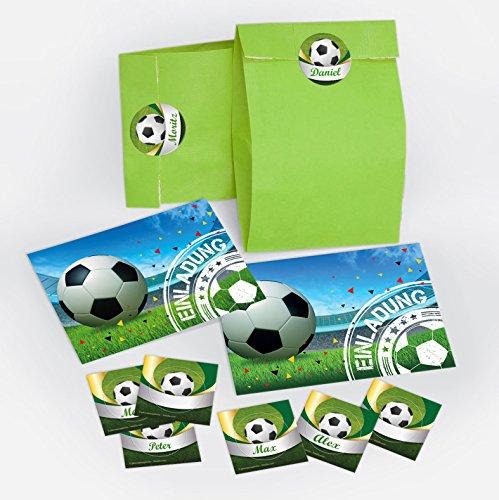 12 Einladungskarten zum Kindergeburtstag für Junge Fussball incl. Umschläge, Tüten, Aufkleber / Fußball bunte Einladungen zum Geburtstag (12 Karten + 12 Umschläge + 12 Party-Tüten + 12 Aufkleber)