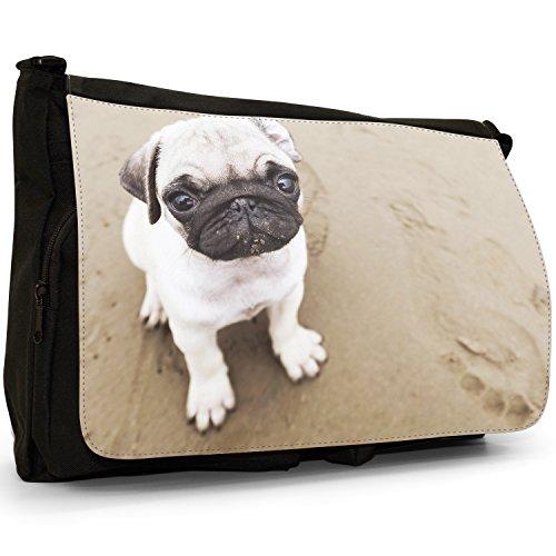 Carlino Pugs Love Little Cani Grande borsa a tracolla Messenger Tela Nera, scuola/Borsa Per Laptop Pug Puppy On Sandy Beach