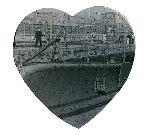 heartshaped-puzzle-with-1942-italian-submarine-barbarigo