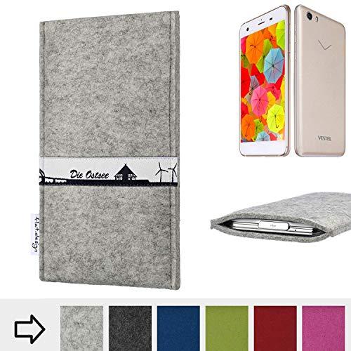 flat.design für Vestel V3 5570 Schutz Hülle Handy Case Skyline mit Webband Ostsee - Maßanfertigung der Schutztasche Handy-Tasche aus 100% Wollfilz (hellgrau) für Vestel V3 5570