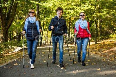 druck-shop24 Wunschmotiv: Nordic walking - active people working out #93404323 - Bild auf Alu-Dibond - 3:2-60 x 40 cm/40 x 60 cm
