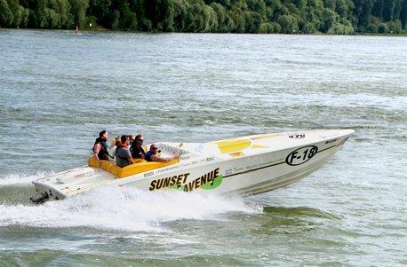 Jochen Schweizer Geschenkgutschein: Speedboot fahren (60 Min.)