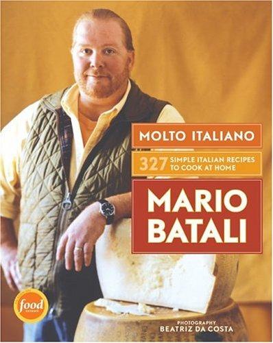 Molto Italiano: 327 Simple Italian Recipes to Cook at Home (Hardback) - Common