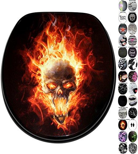 WC Sitz mit Absenkautomatik, viele schöne schwarze WC Sitze zur Auswahl, hochwertige und stabile Qualität aus Holz (Totenkopf in Flammen)