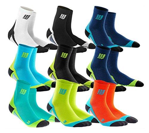 CEP Herren Hose Dynamic + kurze Socken mit Kompression und leichte, atmungsaktiv Passform für Crosstraining, Laufen, Recovery, tiathletes, und alle ENDURANCE und Team Sport