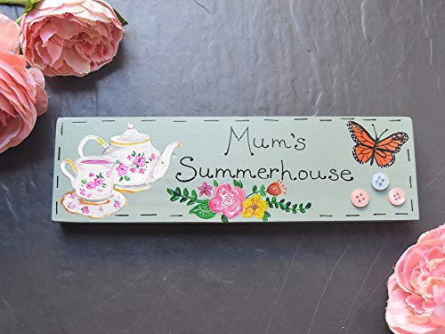 Summerhouse Personalisiertes Holzschild Teeparty Schild Rosen English Cottage Garden Holzschild Geschenk Schmetterlinge Teekanne und Teetassen Holzschild Geschenk