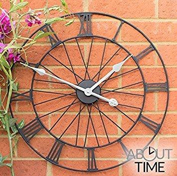 Rad Metall Garten-Uhr in einem schwarzen Finish lackiert–Moderne Wanduhr–50cm (Wetterfeste Uhren)