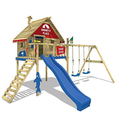 WICKEY Spielturm Smart Sky Stelzenhaus Baumhaus Kletterturm aus Holz mit Doppelschaukel und Holzdach, blaue Rutsche + rot-blaue Plane
