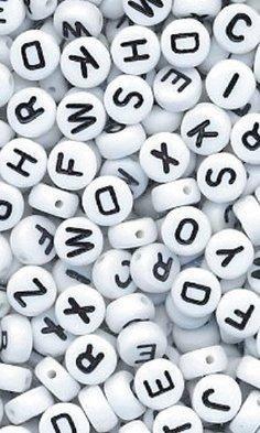 400pk-white-alphabet-beads
