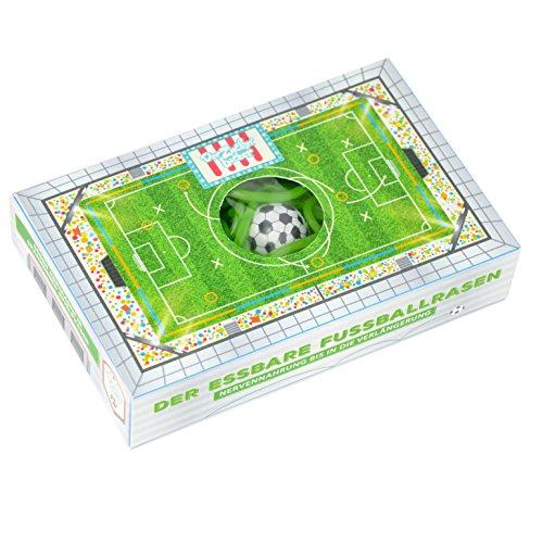 Essbarer Fußballrasen Box, 75 g grüne Fruchtgummi Schnüre mit Apfelgeschmack und Fußball Kaugummi , cooles Geschenk für alle Fußball-Fans