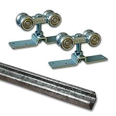 Die Beschläge sind von ausgezeichneter robuster Qualität und bestehen aus galvanisch verzinktem Stahl. Die Rollen sind mit echten wartungsfreien Kugellagern ausgestattet und laufen somit in den Führungsschienen leichtgängig und geräuscharm. Der Absta...