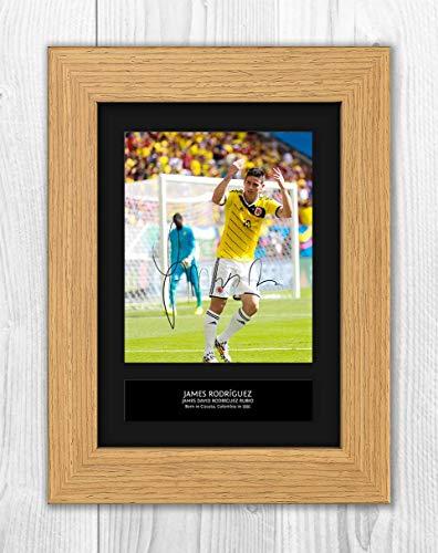 1519c7a366f Star Prints UK James Rodríguez 1 MT – Riproduzione Foto A4 Stampa  autografata Oak Frame