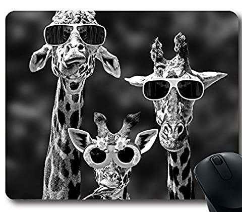 Popular Gift 220x180x2mm Long Neck Animal Giraffes Cool Grass Rubber Game Office Mouse Pad 2015 New Giraffe Computer Laptop Gaming Mouse Mat W002