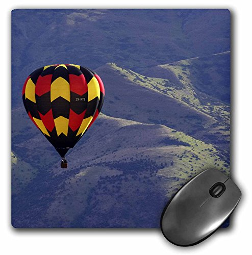 danita-delimont-hot-air-balloons-hot-air-balloon-and-mountains-south-island-new-zealand-au02-dwa4647