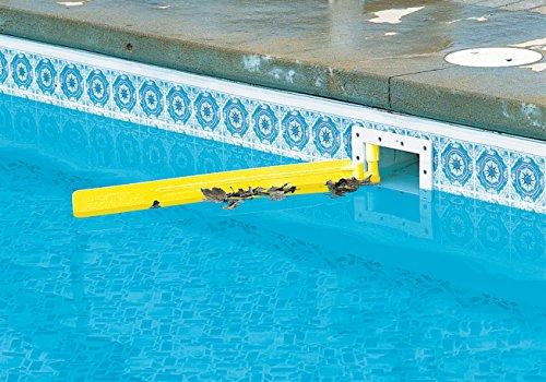 accrocher la piscine au-dessus du sol