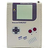 Mostra il tuo amore per Game Boy con questo portafoglio unico! Sostituire il vostro vecchio raccoglitore o acquistare il regalo perfetto per ogni fan Game Boy! Il design della borsa è bi-fold e include un'area per le note, spazio di slot di carte di ...