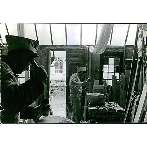 Vintage de fotos de madera de útiles para tallar de trabajo en el taller.