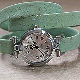 Damen-Uhr mit dreifach gewickeltem hell-grünem Korkband/alle Längen/Magnet-Verschluß