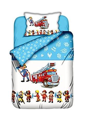 Aminata-Kids süße Kinderbettwäsche Bettwäsche Kinder 100x135 cm Baumwolle Feuerwehrauto Feuerwehrmann Feuerwehr Baumwolle Babybettwäsche-Feuerwehrmann Wendebettwäsche hellblau
