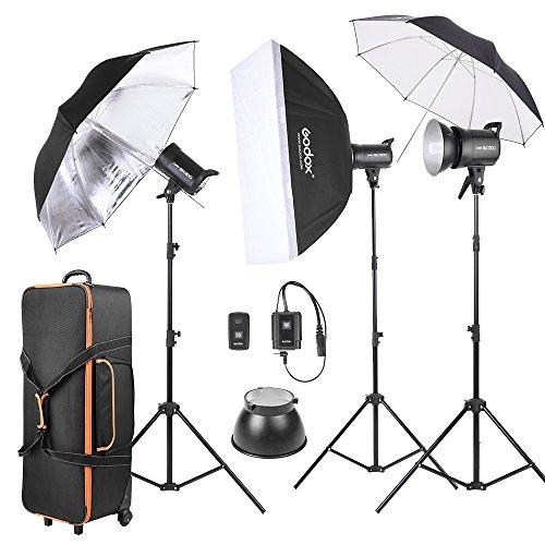Godox SK300-D 3 * 300WS Studio Foto Strobe-Blitz-Licht-Kit mit 3 * Licht-Standplatz / 1 * Softbox / 1 * Reflexschirm / 1 * Weiche Umbrella / 1 * Flash Trigger / 1 * Lampenschirm / 1 * Wheeled Tasche - Flash Strobe Kit