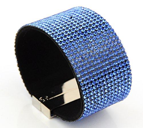 large-bracelet-avec-fermoir-magnetique-a-strass-bleu-clair