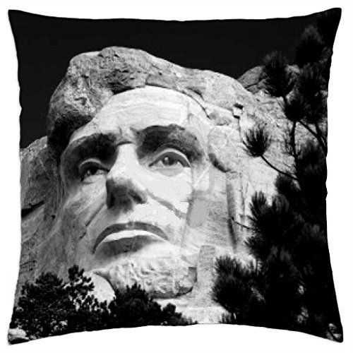 the-head-of-abraham-lincoln-on-mount-rushmore-national-memorial-in-black-and-white - Throw Pillow Cover Case (45,7 x 45,7 cm)