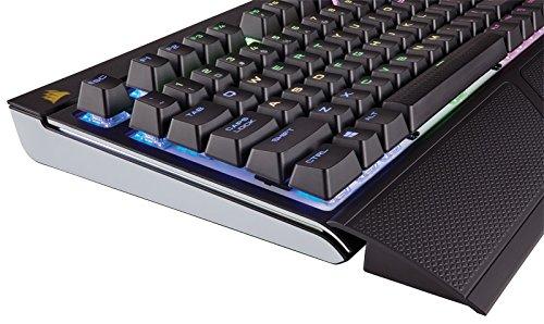 Corsair Gaming CH-9000121-DE Strafe RGB Mechanische Gaming Tastatur (Cherry MX Silent Performance Multi-Colour RGB Beleuchtung) schwarz - 5