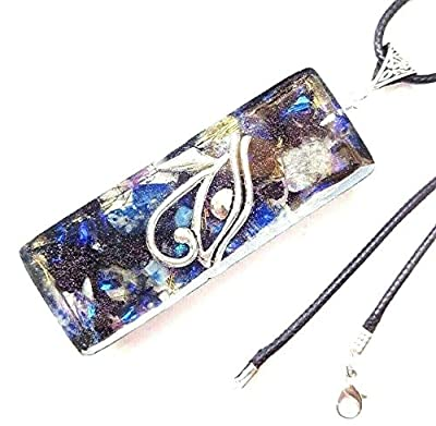 Pendentif de collier Orgonite Oeil de Horus, Lapis Lazuli, Tourmaline noire.