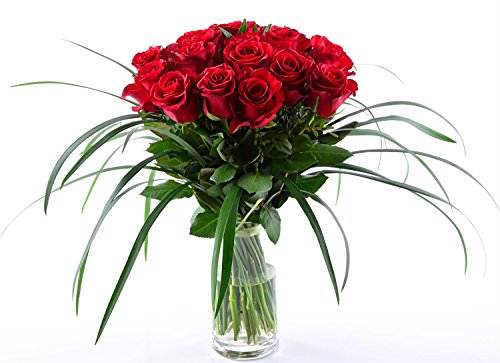 Express! Blumenversand Deutschlandweit – 20 Stück Rote Rosen als Blumenstrauß mit Grässern arrangiert – Deutschlandweit versenden