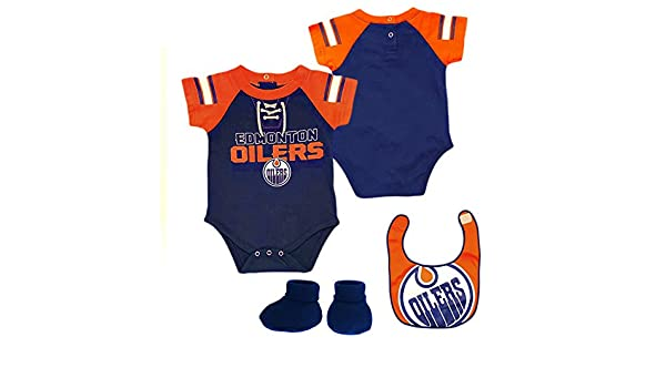 21f3cef34 Edmonton Oilers NHL Baby Little D Man 3-pc Creeper-Bib-Bootie Set - 3-6Months   Amazon.co.uk  Sports   Outdoors