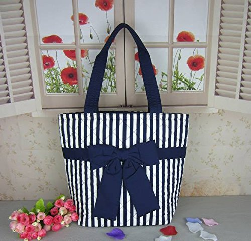 naraya-printed-in-the-blue-bag-bow-on-the-front-side-in-the-first-slot-of-the-box-and-with-a-small-s