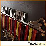 Medaldisplay - Portamedallas con texto «Born to swim» - Medallero de pared, 450mm x 80mm x 3mm