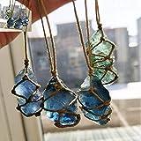 Pietre grezze naturali di cristalli di roccia blu-verde fluorite, ciondolo ornamento in fluorite con corda intrecciata a mano in colore casuale, yoga, guarigione chakra, bilanciamento Reiki