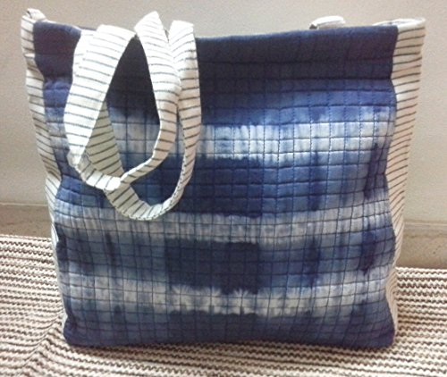 panigha-india-handmade-top-handle-tote-bag-made-of-cotton-fabric-with-tie-n-dye-in-indigo-blue