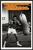 Ali, Muhammad - Punchbag - Sport Poster Boxen Muhammad Ali Weltmeister Schwergewicht - Grösse 61x91,5 cm + Wechselrahmen der Marke Shinsuke® Maxi aus Kunststoff schwarz - mit Acrylglas-Scheibe.