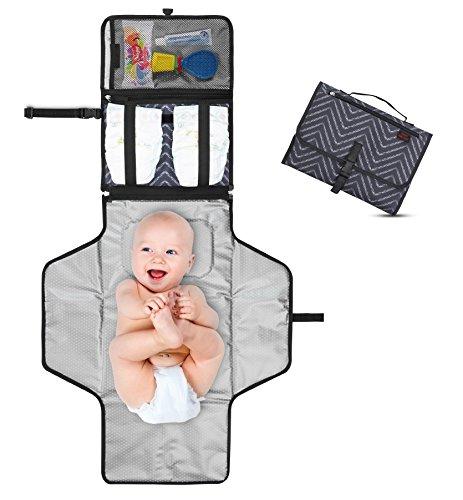 Tragbare Wickelunterlage - Wickelstation für Unterwegs - Komplett gepolstert - Matte abnehmbar & abwischbar - Wickeln auf Reisen - Geschenk für Babyparty ! - Dark Gray