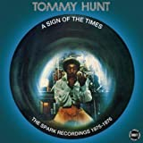 Songtexte von Tommy Hunt - A Sign of the Times
