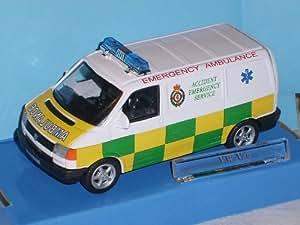 Cararama Vw Volkswagen Transporteur T4 T 4 Ambulance 1/43 Cararama Voiture Modèle
