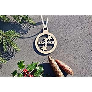 Weihnachtskugel mit Namen in Wunschfarbe– Kugel mit Sternen – Christbaumkugel Christbaumschmuck Weihnachtsbaumkugel