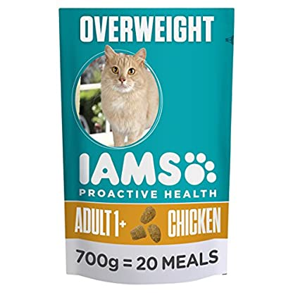 Iams ProActive Health Complete and Balanced Cat Food with Chicken for Sterilised and Overweight Cats, 4 x 700 g 1