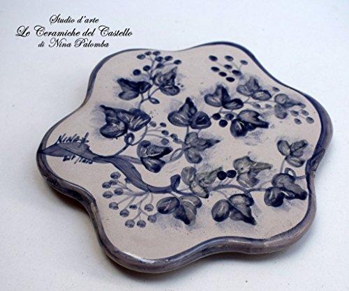 Sottopentola Linea Edere Blu Realizzato e dipinto a mano Le Ceramiche del Castello Made in Italy Pezzo Unico dimensioni 17 x 17 centimetri