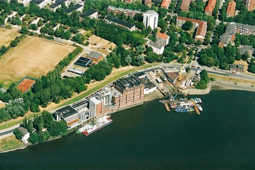 MF Matthias Friedel - Luftbildfotografie Luftbild von Ausschläger Elbdeich in Hamburg (Hamburg), aufgenommen am 11.08.03 um 12:37 Uhr, Bildnummer: 2516-19, Auflösung: 3000x2000px = 6MP - Fotoabzug 50x75cm