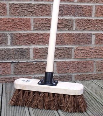 NO.1 GARDEN 10″ STIFF SWEEPING YARD BRUSH, NATURAL HARD BROOM STIFF BRUSH WITH HANDLE BEST PRICE REVIEW