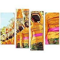 Cuadros de salon Procesión de hermosas mujeres balinesas vestidas con trajes tradicionales - sarong, llevan