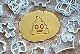 Emoji Poop Ausstechform 4cm Präge-Ausstecher Kackhaufen Smiley 3D Keksausstecher Cookie Cutter Backen Fondant Plätzchen