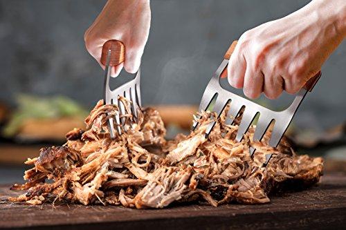512psdYns6L - Edelstahl Fleisch-Krallen [2 Stück] - Meat Claws für Pulled Pork | Bärenkrallen mit Holzgriff | BBQ Gabeln