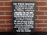 King34Webb In This House We Do Geek Schild Harry Potter Herr der Ringe und Star Wars Fans Will Love This Holzschild, tolle Heimdekoration, Geschenke